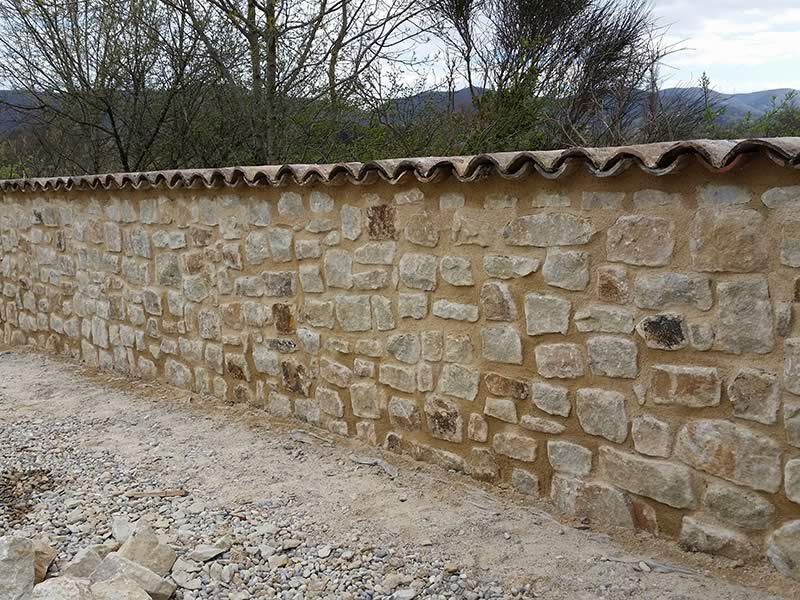 2015-mur-pierre-de-lyas