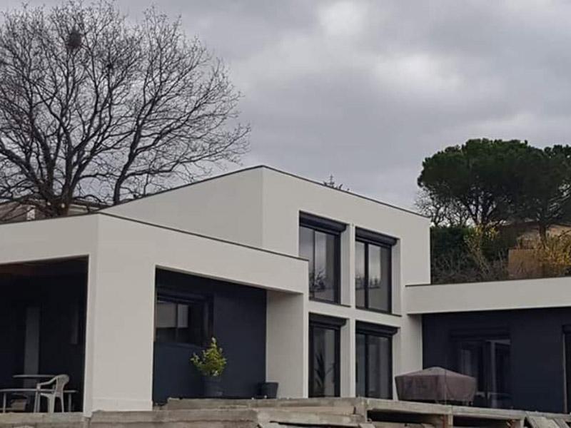Nos métiers -maison moderne toit plat - STB Constructions - STB Rénovation - STB ProSud Façade - renovation facade maison ancienne - facadier enduiseur